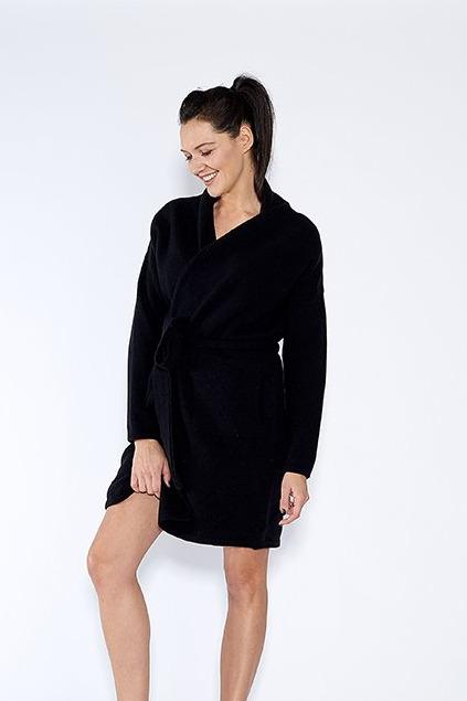 {b}DARIA 174 cm szefowa działu sprzedaży sweter ONE SIZE