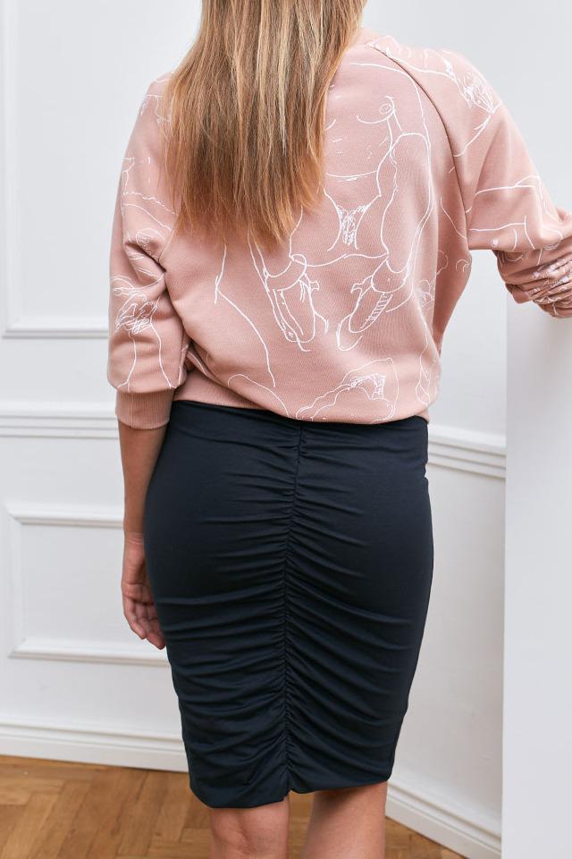 {b}IDA 172 cm założycielka BOART.store bluza XS spódnica XS