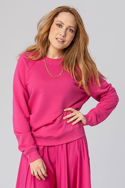 {b}WERONIKA 170 cm actress, tv presenter sweatshirt XS skirt XS