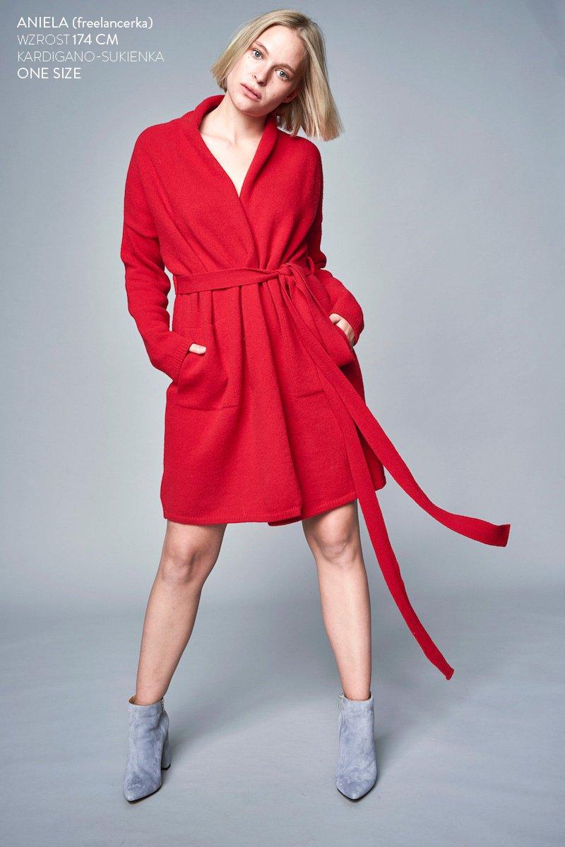 ANNA WINTER czerwona
