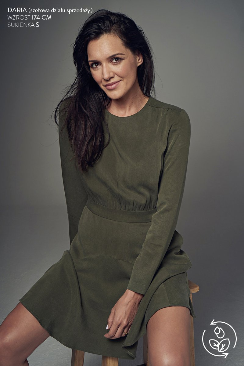 SEXY & SUSTAINABLE military green