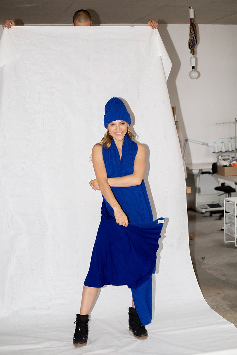 MOM art blue
