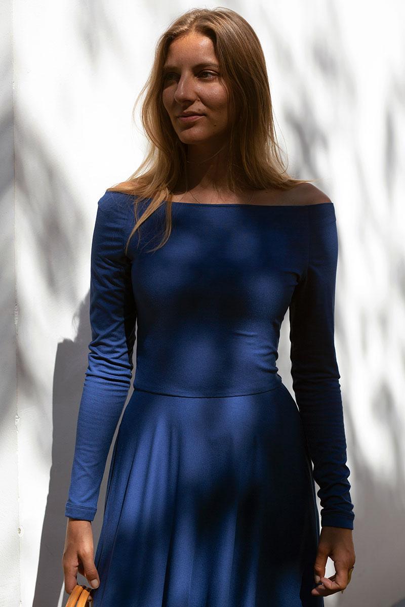 NAJPIĘKNIEJSZA z dłuższymi rękawami kingdom blue