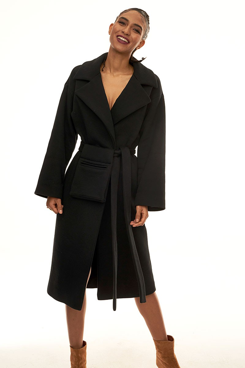 REVOLUTIONARY COAT black