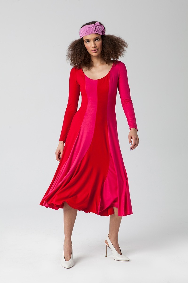 BANANA DRESS with a neckline hot pink & red