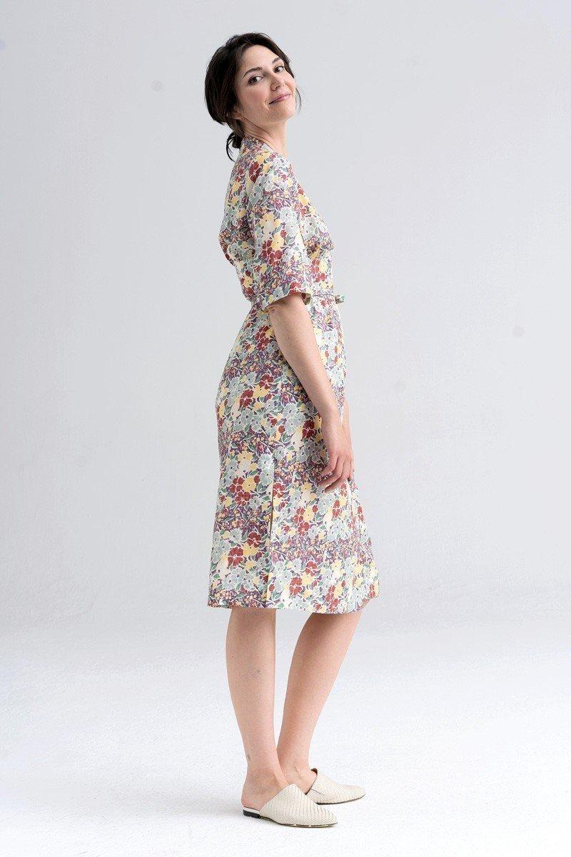 HIGH-WAISTED DRESS flower bed print