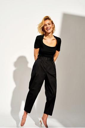 {b}URSZULA 164 cm projektantka graficzna spodnie XS