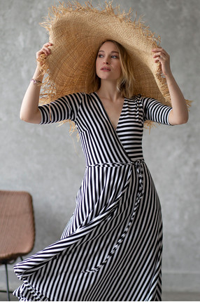 {w}ANIELA 174 cm freelancerka sukienka S