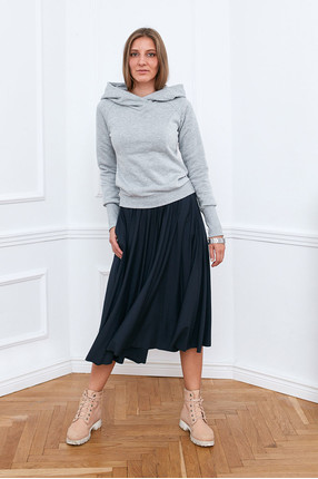 {w}IDA 172 cm założycielka BOART.store bluza XS spódnica XS