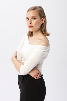 {b}ANIELA 174 cm freelancerka bluzka S spodnie S