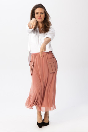 {b}HANNA 166 cm actress skirt S shirt XS