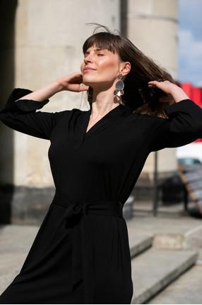 {b}ANNA 174 cm actress, miotherapist dress S
