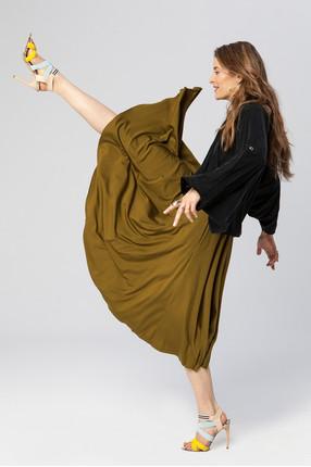 {b}JOANNA 173 cm top XS skirt XS