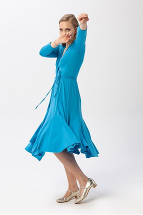 {b} ANIELA 174 cm freelancer dress S