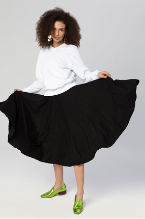 {b}BERENIKA 169 cm model skirt XS