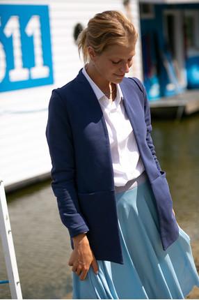 {b}KAMILA 173 cm actress jacket XS skirt XS