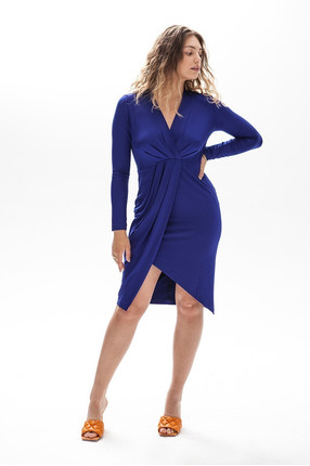 {b}ELLA 173 cm model dress M