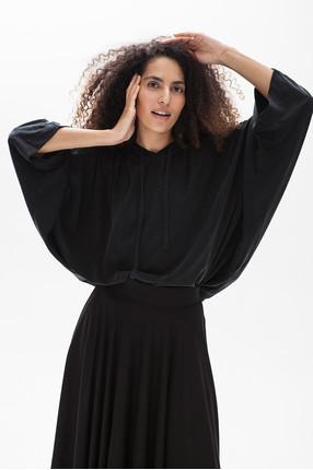 {b}ASMA 174 cm model blouse XS skirt XS