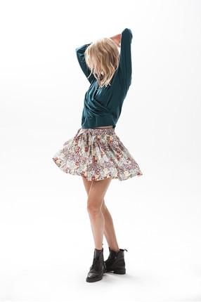 {b}MARZENA 182 cm fabric & accessories procurement specialist hoodie XS shorts XS