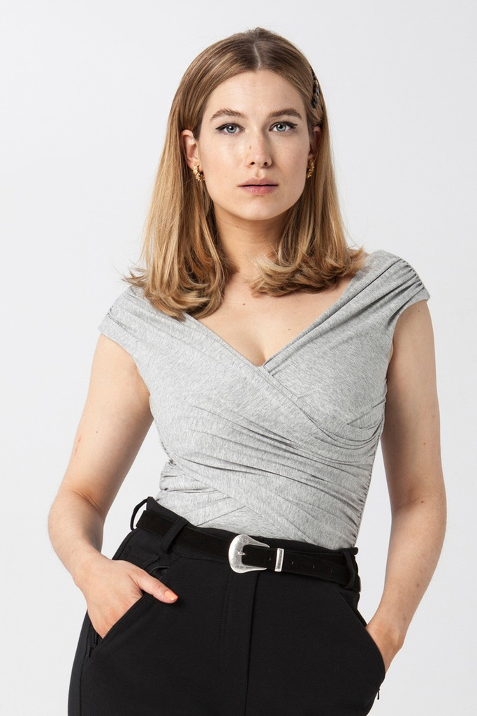 {b}KINGA 175 cm dietitian, make-up artist top XS pants XS