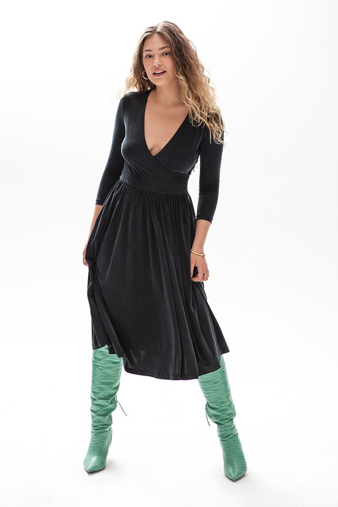{b}Ella 174 cm model dress M