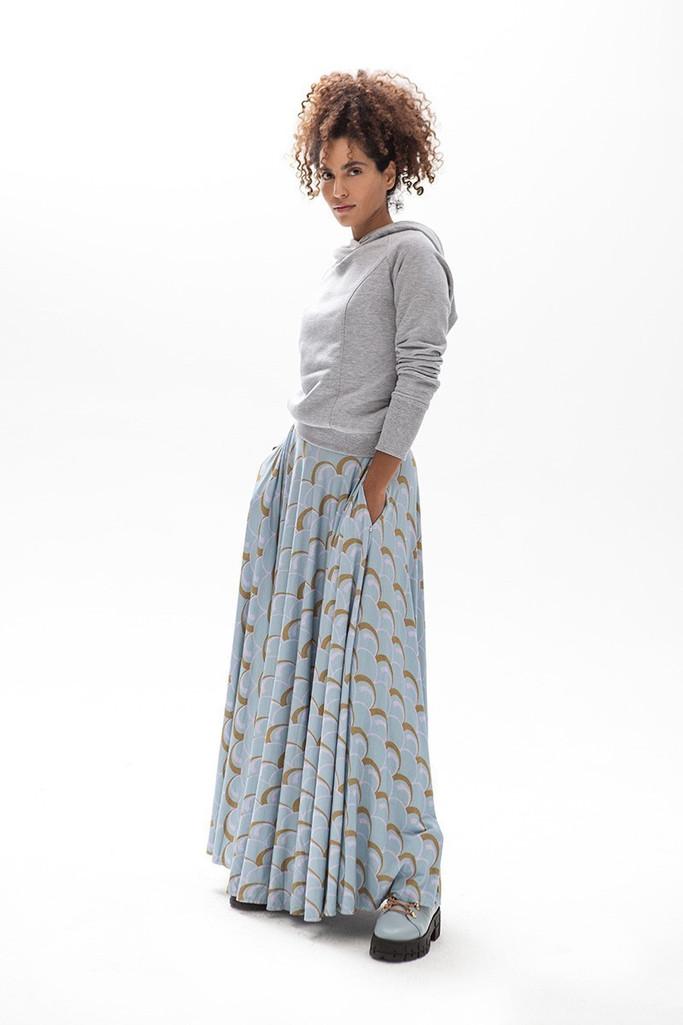{b}ASMA 174 cm model skirts XS hoodie XS